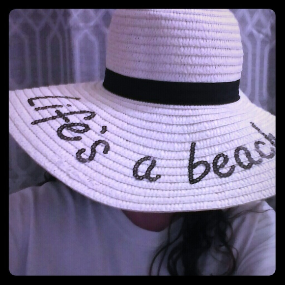 Floppy Beach Hat-